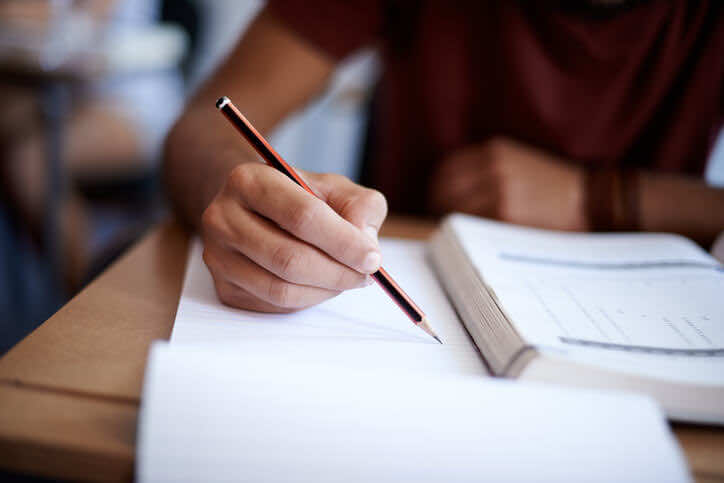 STUDENT EXAM SEASON: TOP TIPS TO RELIEVE STRESS