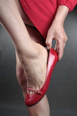 ballet-pump-flat-shoes-pain