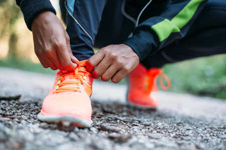 HOW TO HANDLE ATHLETE'S FOOT