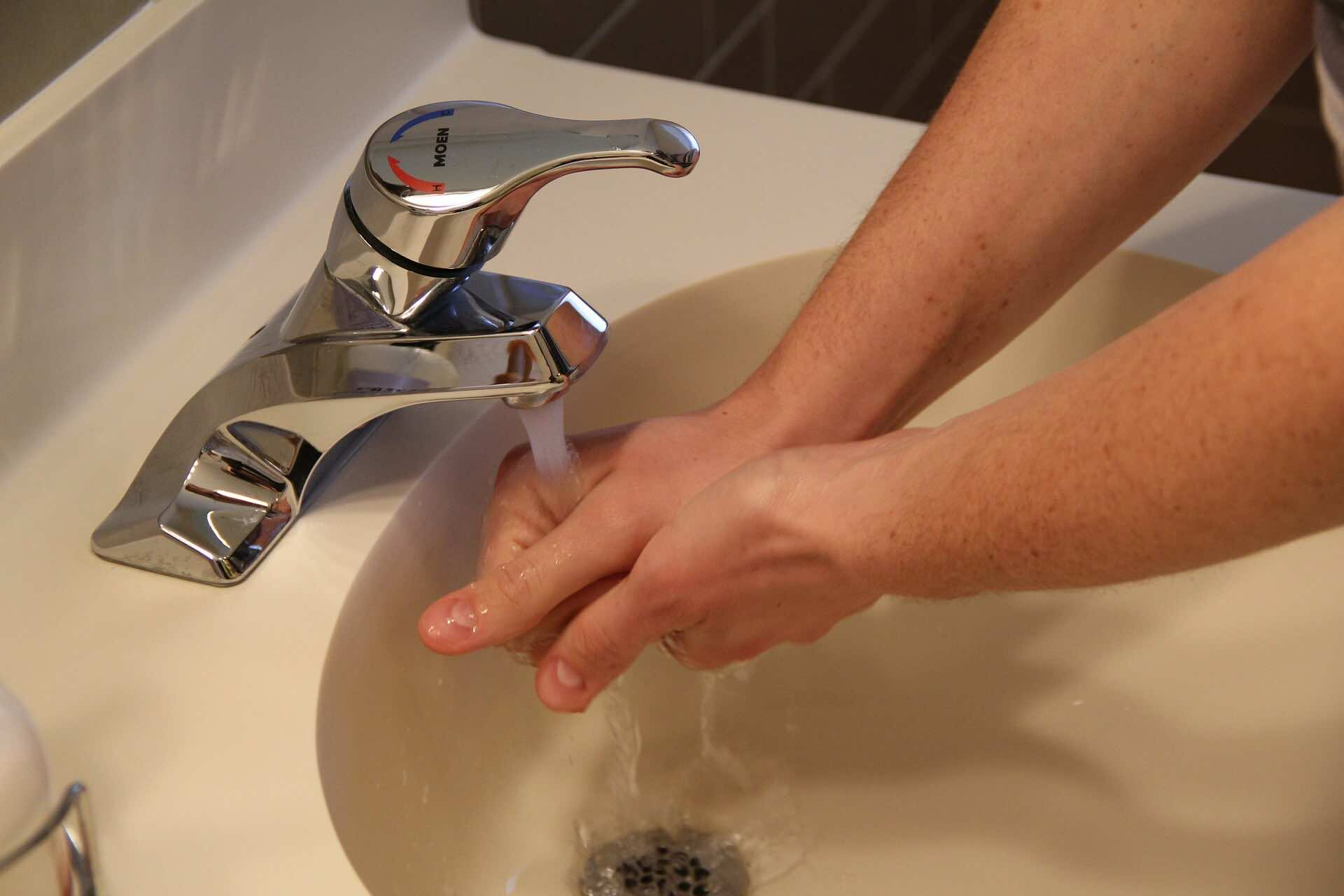 washing hands, preventing spread of norovirus